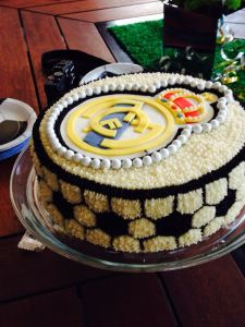Pastel de chocolate y cajeta de Real Madrid (sweet Art)